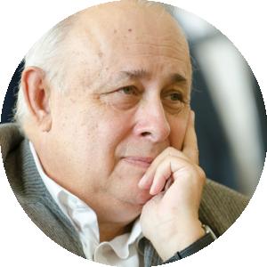 Prof. dr hab. Jerzy Axer